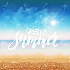 こんにちは夏 フリーハンド レタリング インクしますモダンな筆ペン書道太陽が降り注ぐビーチの背景に