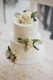 Elegant Greenery Wedding Cake Emmalovesweddings