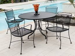 Guides to Choosing Metal Patio Table Furniture