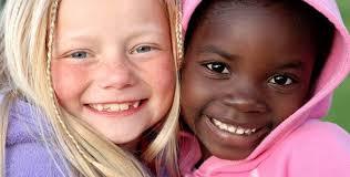Resultado de imagem para crianças a sorrir