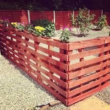 pretty pallet garden fence design
