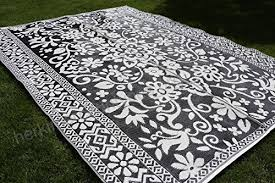 santa barbara collection 100 recycled plastic outdoor reversable area rug rugs white black traditional fl