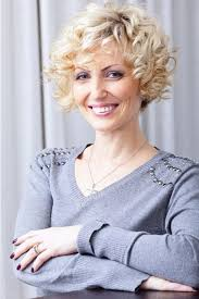 Curly Hairstyles For Women Over 50 Hairstyles Inspiration