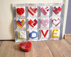 The Ultimate List of 44 Valentine's Day Quilting Patterns & Paper pieced Valentine LOVE hearts quilt Adamdwight.com
