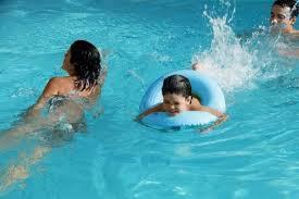 Resultado de imagen para baños en piscinas
