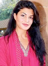 Jacqueline Fernandez joined hands with People for the Ethical Treatment of Animals (Peta) to highlight the cruelty meted out to horses. - article-2511435-1991537000000578-344_306x423