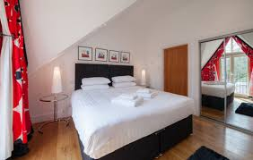 The White House. 3 X En Suite Bedrooms (super King Or Twin). Bookings From  Any Day Arrival For A Minimum 3 Night Stay, Including Christmas.