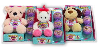 1 mama stuffed with 3 cuties