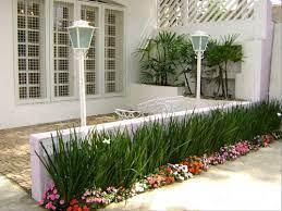 A área de serviço também se comunica com o jardim das traseiras, que terá um espaço especial para o trabalho em casa. 15 Canteiros De Plantas Fabulosos Para Pequenas E Grandes Areas Externas Homify