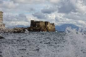 Maltempo, a Napoli prorogata allerta meteo per vento forte e ...