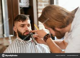 Barber Shop Man Gets Baard Kapsel Kapper Trimmen Man Baard