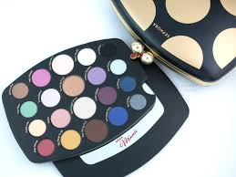 the happy sloths sephora minnie mouse collection minnie s world in color eyeshadow palette review