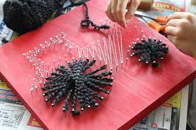 let your kids make great string art for their rooms this is the perfect craft