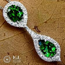 green copper bearing tourmaline pendant necklace and natural diamond in 18 kt white gold 2 33 ct