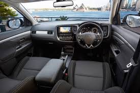 2018 mitsubishi outlander interior. modren 2018 2018 mitsubishi outlander features on mitsubishi outlander interior