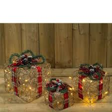 3 Light Up Christmas Boxes Pack Of 3 Led Light Up Christmas Present Gift Boxes Battery Powered Decoration Wicker And Tartan