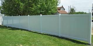 Vinyl fence Solid Vinyl Fence Basics Walmart Vinyl Fences Vinyl Fencing Homeadvisor