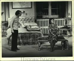 "1981 Press Photo Sunset Playhouse actors in ""A Bedfull of Foreigners""  scene, WI 
