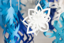 paper snowflakes 3d diy 3d paper snowflakes colorize your life astrobrights