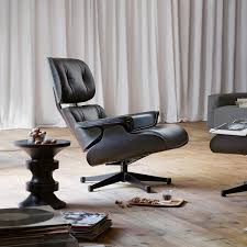 Eames Lounge Chair Drehsessel Vitra Ambientedirect Com
