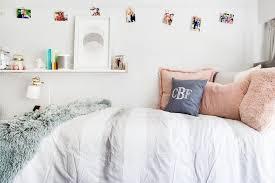 decorating a dream college dorm room