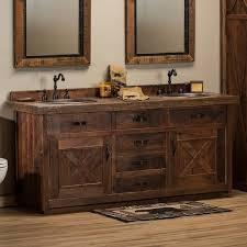 Simple y elegante diseño de pileta tallada en madera. Barnwood Bathroom Vanity