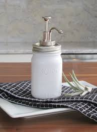 Serah Cool View In Gallery Homedit Diy Mason Jar Soap Dispenser