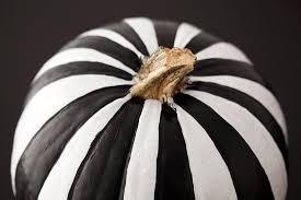 black and white pumpkin. 35 no-carve pumpkin decorating inspirations - tipsaholic, #halloween, #halloweendiy, black and white p