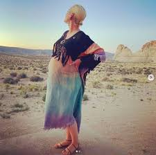 By supporting unicef, you are supporting a safe start. Katy Perry Teases Fans With Exciting News In Latest Baby Bump Photo Ahead Of Welcoming Daughter Hello