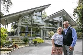 Couple Raffle Off Their Six Bedroom 3million Glass And Wood Kit