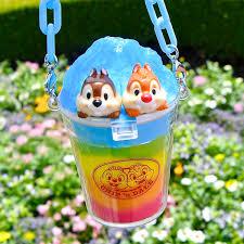 かき氷を食べるチップデール東京ディズニーランドディズニー夏祭り