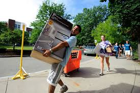 move in day photo essay university of rochester students and families on move in day