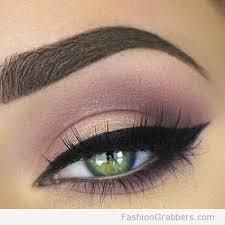 pretty green eye makeup with soft rose and gold color