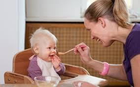Gợi ý cách cho bé ăn dặm lần đầu tiên - Ăn dặm kiểu Nhật