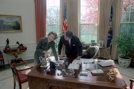 filethe reagan library oval office. Ronald Reagan Presidential Library, National Archives And . Filethe Library Oval Office N