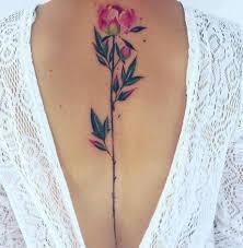 žena In Nelíbí Se Vám Tetování Po Následujících Obrázcích Změníte