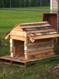 Pallet Home Diy Dog House Made From Pallets Pallets Designs