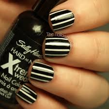 How to Create the Perfect Pinstriped Nail Design | more.com