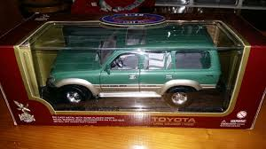 Road Legends 1 18 Toyota Land Cruiser 1992 In Tf2 Donnington Für 25 00 Zum Verkauf Shpock At