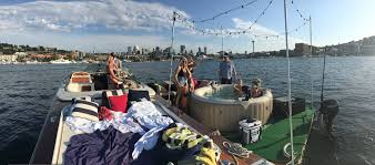 Tub You Next Level Alert You Can Rent A Floating Hot Tub On Lake Union