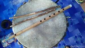 Berawal pada abad 14, berkembang di abad 18 bentuk suling recorder di masa perkembangan awal. Begini Proses Pembuatan Tambur Alat Musik Khas Raja Ampat