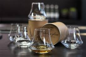 a complete guide to the 15 best whisky scotch glasses