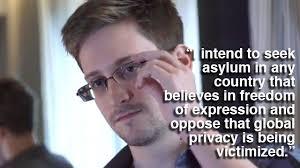 Whistleblowern Edward Snowden har inte bara avslöjat hur amerikanska NSA, brittiska GCHQ och svenska FRA ägnar sig åt massövervakning av internet, ... - edward-snowden-interview