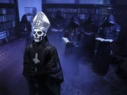 Resultado de imagem para papa negro da igreja satânica