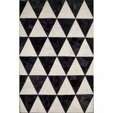 Italian black and white triangular rug Barby Rock by Sitap