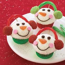 Sweetest part of the holidays! Christmas food, ginger bread cookies, and  Santa Claus! Bring the joy in with clever, easy but pretty and delicious  ideas!