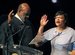 First woman mayor of New Orleans takes oath of office