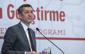 Milli Eğitim Bakanı Ziya Selçuk istifa etti' iddiası - Tr724