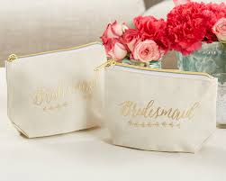 our gold foil bridesmaid canvas makeup bag will be the perfect gift for each gal in your bridal party affordable yet quality made meres 6 7 w x