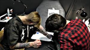 татуировки на кисти каталог тату салонов и мастеров